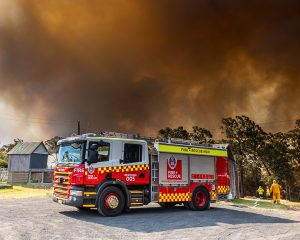 Friday afternoon way up along Putty Rd at Coco Heights. The Gosper Mountain fire had spread to over 82000 hectares. 